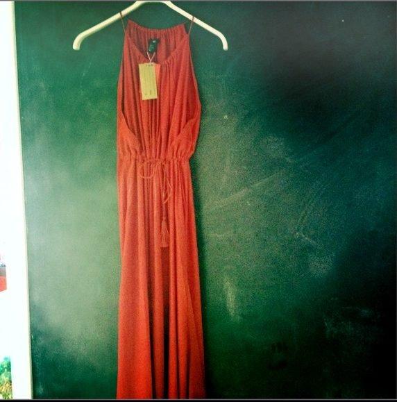 c5632d2eedf2 Κόκκινο φουστάνι - Σελιδοδείκτης